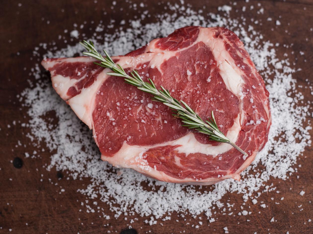 Vakumiranjem je moguće sačuvati svježinu mesa do 5 puta duže